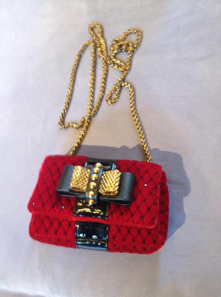 Tasche bei Louboutin