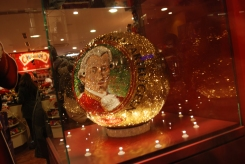 Mozartkugel aus tausenden Swarosvkikristallen