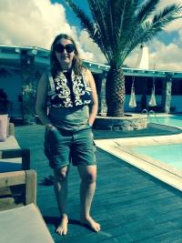 Weste von h&M, Hose von Polo Ralph Lauren, T-Shirt Rosebowl
