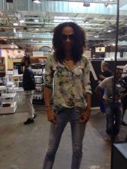 Die schöne Isabell Mandeng bei Loveday Jeans