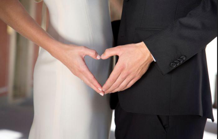 So muss Romantik - und im Hintergrund juchzen Chöre und Geigen  Bild: SAT!