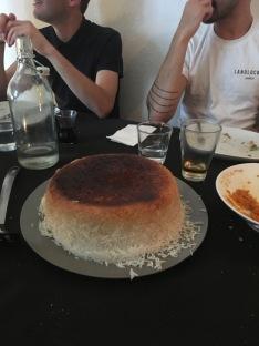 Der ganz besondere Reis braucht ein spezielles Kochgerät, damit eine Kruste so perfekt gelingt