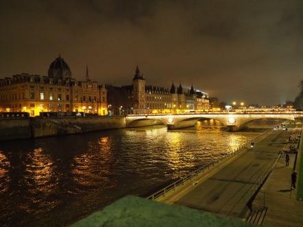 Ile de la Cite bei Nacht Foto: Michaela Burch