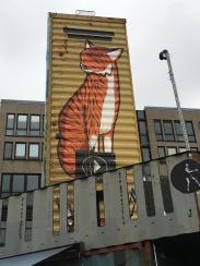 Wunderschöne Graffiti auf dem Container Collective