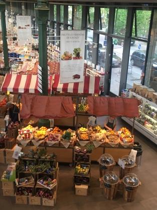 Die schönen Marktstände im Eataly
