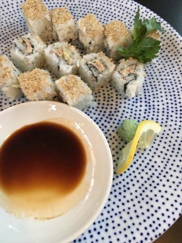 Italienischer Thunfischsalat trifft japanisches Sushi