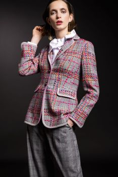 Feminine Interpretation des Business-Suits