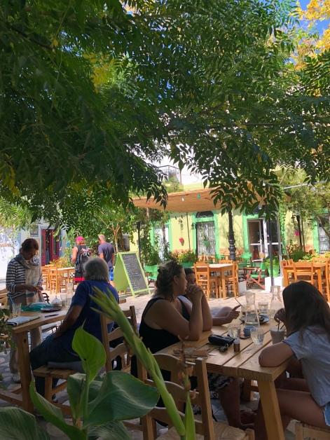 Cafe Micro in Pythagorio serviert Caffe Freddo