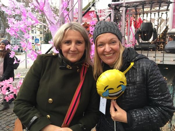 Mit Freundin beim Glühweinmarathon