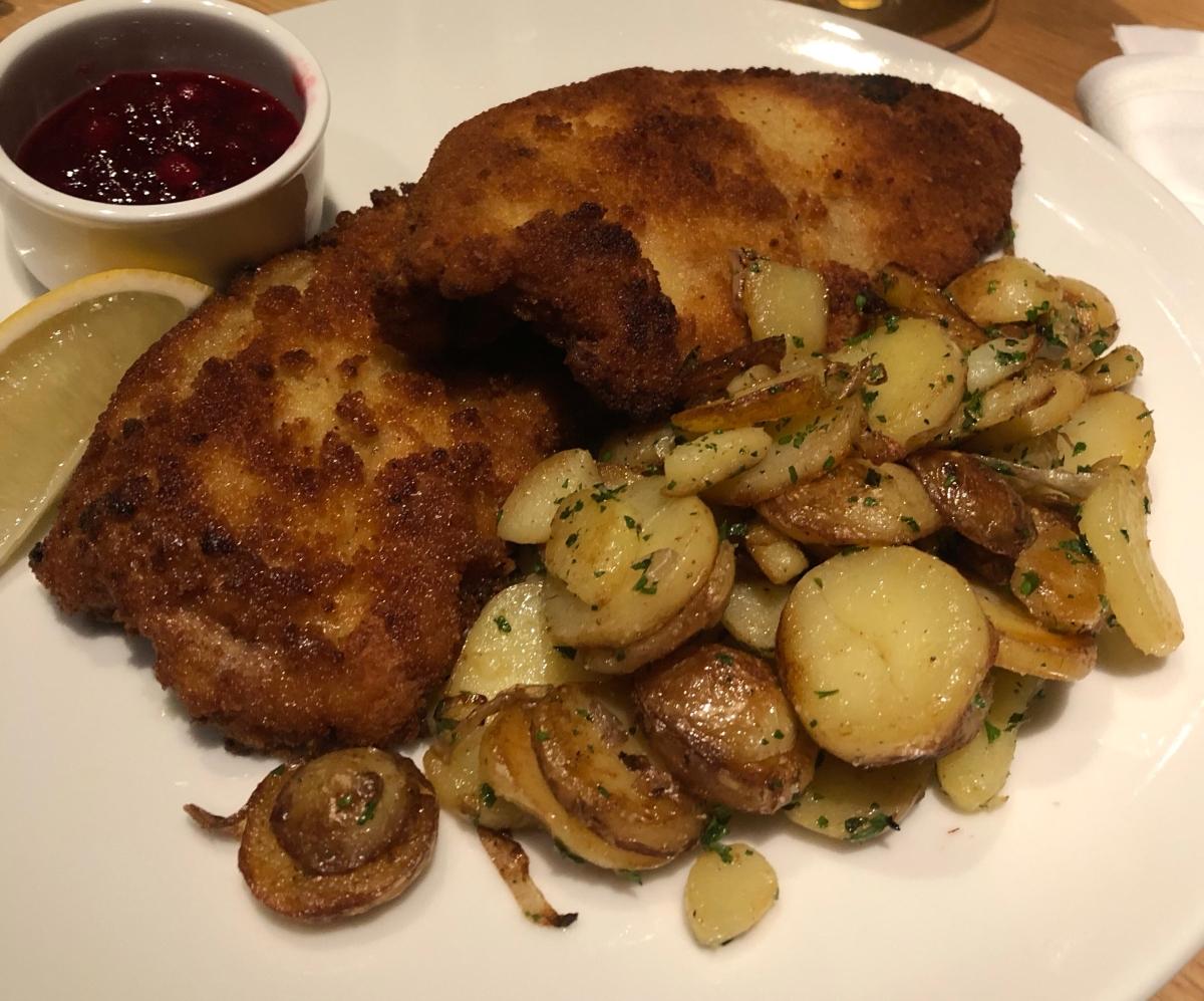 Bei Irmi schmeckt es wie bei der Oma: Münchens beste Schnitzel haben Konkurrenz bekommen