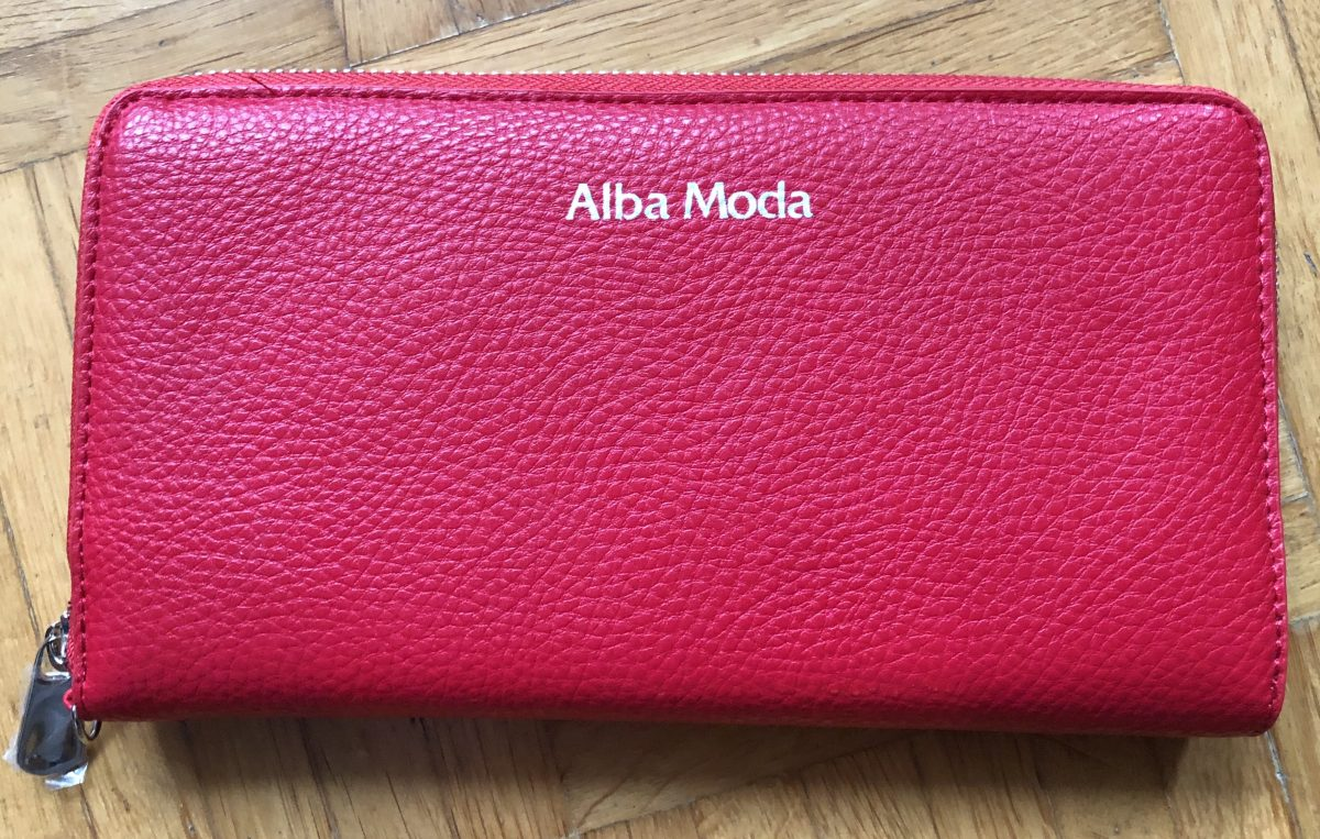 Türchen acht: Weil rot einfach toll zu Weihnachten passt - vegane Geldbörse von Alba Moda