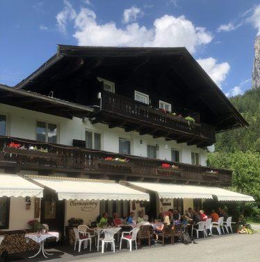 Der Obermeyerhof mit gigantisch gutem Topfenstrudel