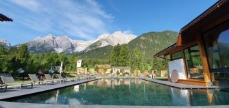 Bergpanorama und beheizter Pool - so schön!