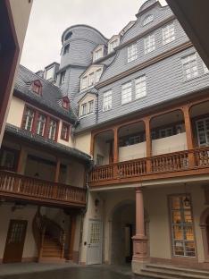 Ein Hinterhof in der neuen Altstadt